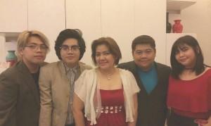 Angel Gomez family